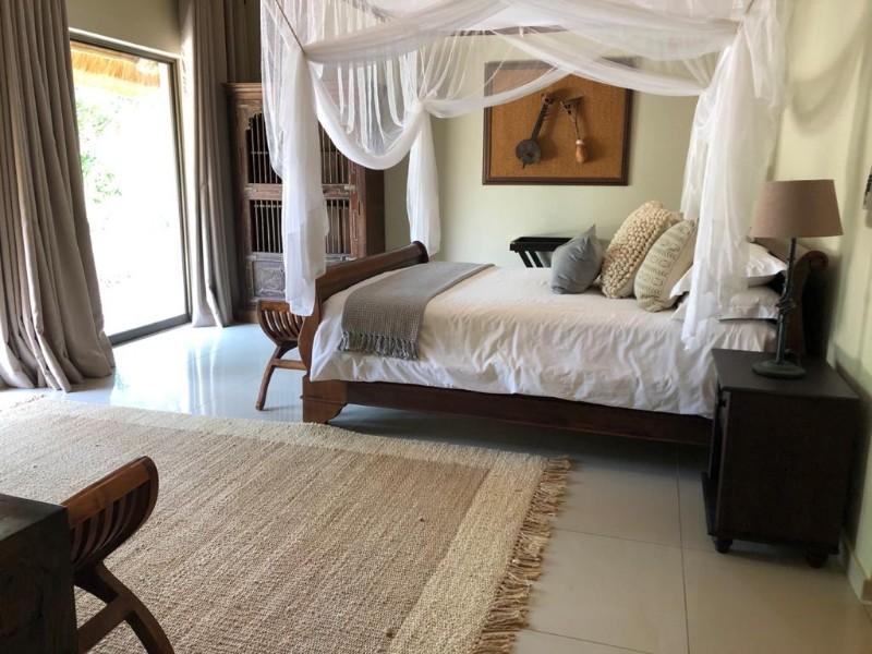 kwenga-luxury-no-3-Giraffe-bedroom-from-bathroom