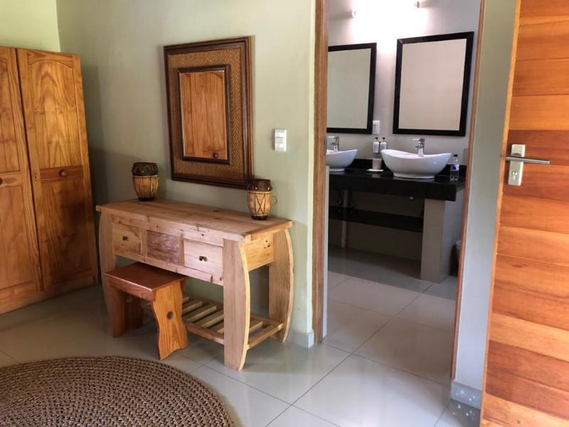 kwenga-standard-room-from-middle-towards-bathroom