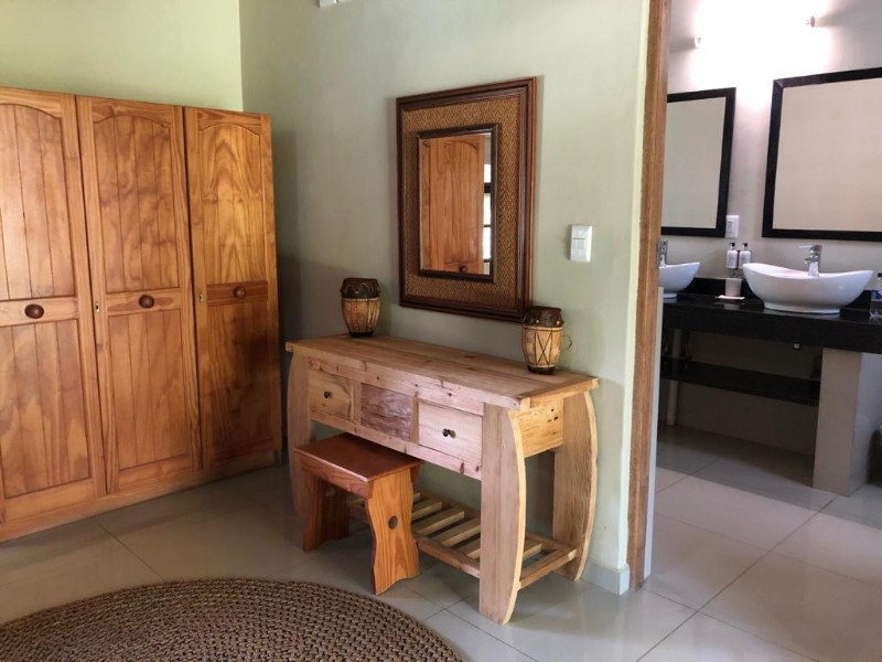 kwenga-standard-room-from-middle-towards-bathroom2