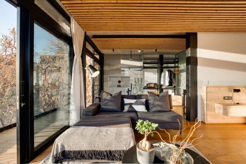 57waterberg-Luxury-honeymoon-suite-3-Lounge