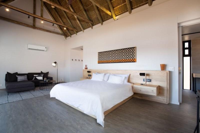 57waterberg-Luxury-suite-6-interior-bed