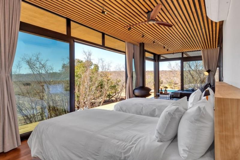 57waterberg-Luxury-suite-9-bed-view