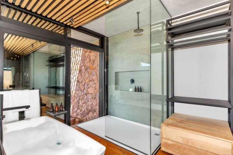 57waterberg-Luxury-suite-9-shower