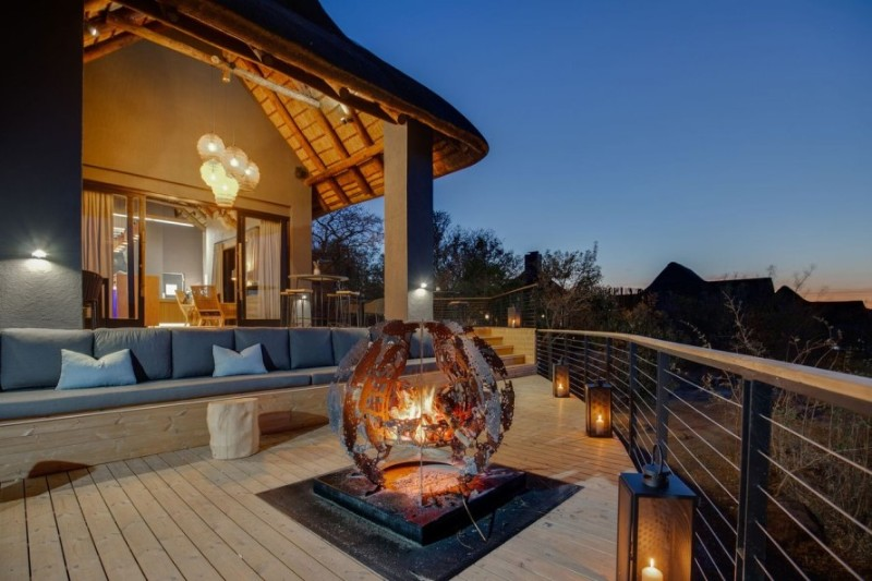 57waterberg-main-lodge-outdoor-seating