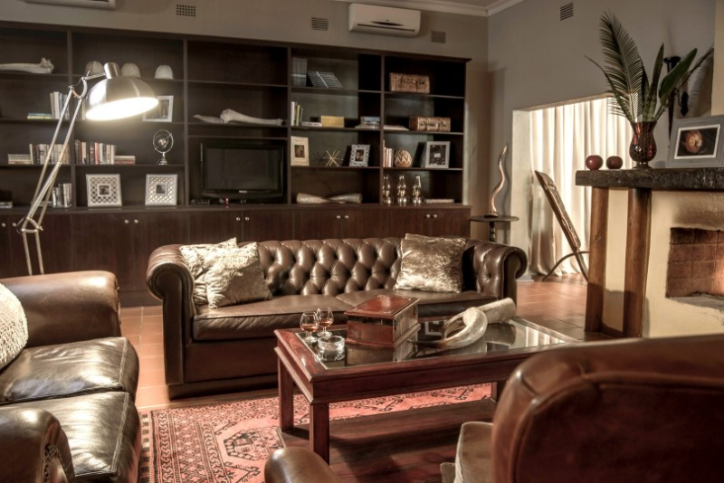 Lounge-2-Large