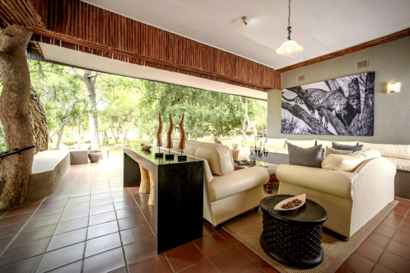 Lounge-4-Large
