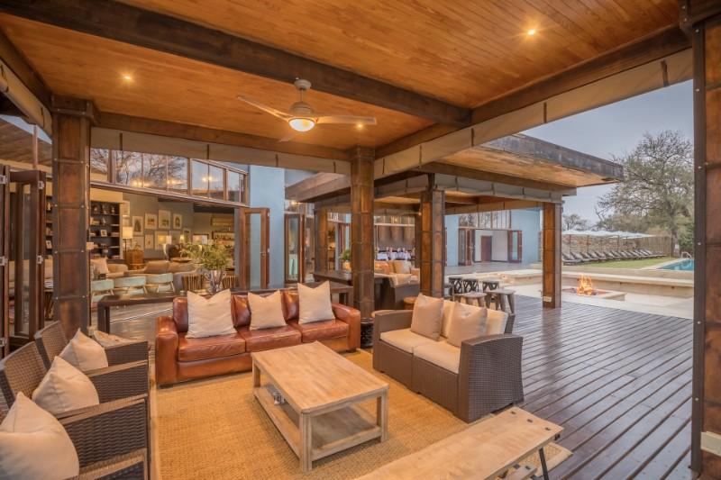 becks-deck-area-lounge-resize