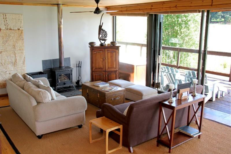 Bushman-Lounge-S-003