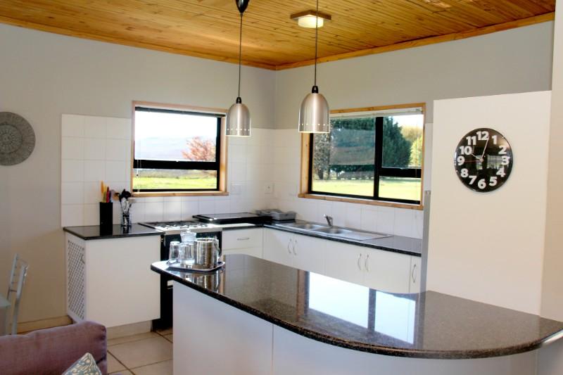 EM-Kitchen-S-002